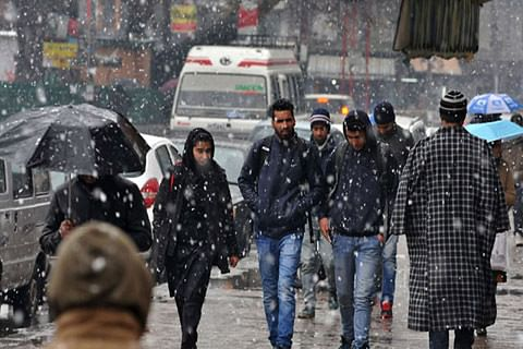 Light snowfall likely in higher reaches today: MeT