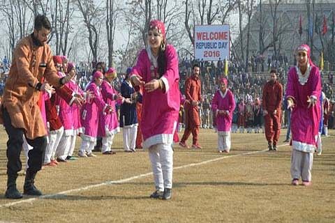 67TH REPUBLIC-DAY CELEBRATIONS: Full dress rehearsal held across Kashmir