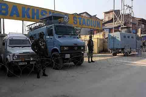 Ahead of Jan 26, police intensifies surveillance, frisking across Kashmir