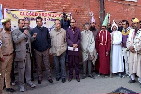 Artists demand better amenities, revival of DD Kashmir