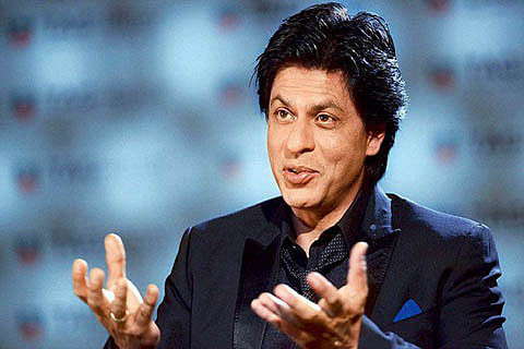 Shah Rukh Khan stays away from Twitter due to negativity