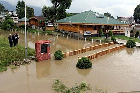 Govt orders disbursement of financial assistance to flood victims under PMDP