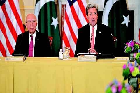 US wants India, Pak to resolve Kashmir through dialogue