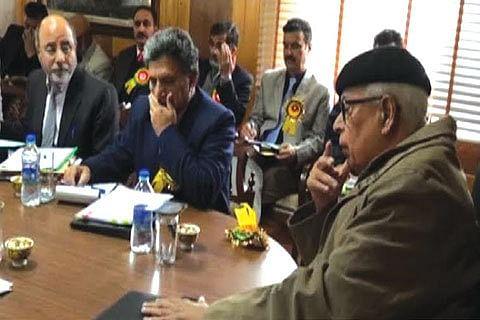 Promote organic farming in Kashmir: Governor to SKUAST-K