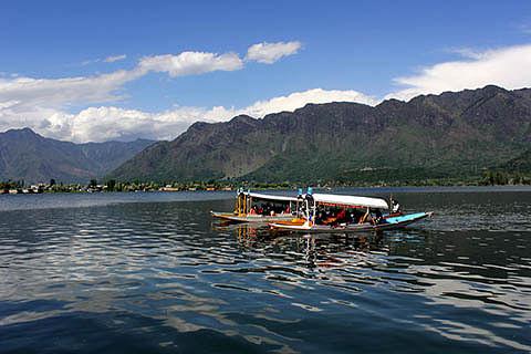 JK Tourism gets best destination awards at IITM