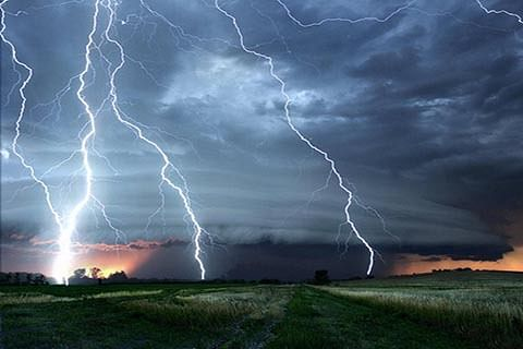Lightning strike damages hi-tech Green House in south Kashmir's Kulgam