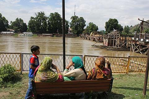 JK releases Rs 458 crore for flood damaged houses
