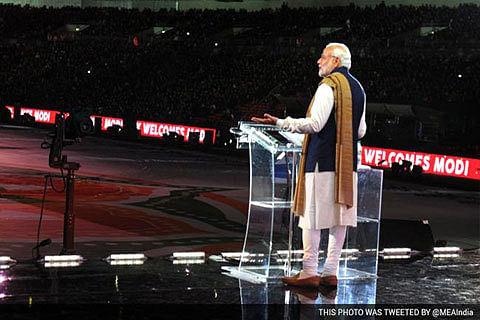 In White House, Modi nudges Pak