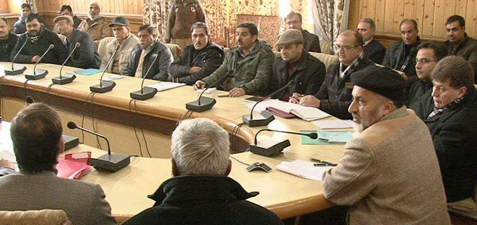 Div Com hits out at teachers
