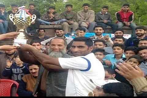 Khalid Aryans script victory in Tral cricket tournament