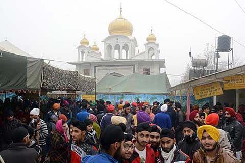 Sikh leaders visit Handwara, express solidarity with families of victims