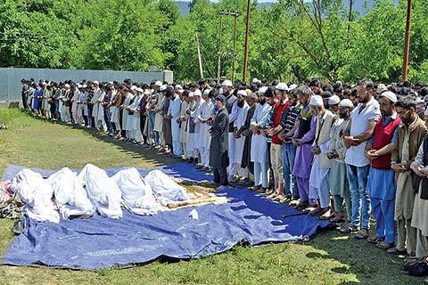 Slain militants laid to rest in Kupwara