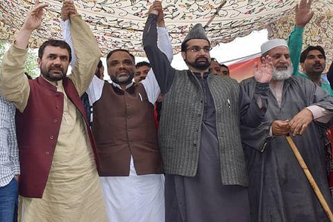 Mirwaiz rallies for support in north Kashmir against Sainik, Pandit colonies