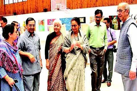 Usha Vohra inaugurates International Spring Art exhibition at DPS Athwajan