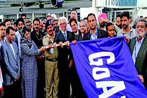 CM flags off 1st evening flight from Srinagar Airport