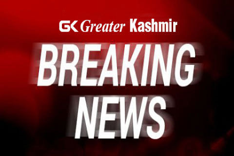 5 CRPF men killed, 22 wounded after militants storm convoy in Pampore