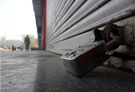 Pampore shuts to mourn militants slain in highway attack