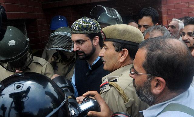 Police Detained Mirwaiz At Nigeen