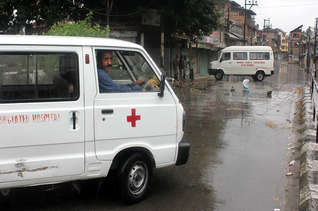 Forces Don't Allow Ambulances, Medicos During Curfew