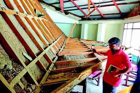 Ceiling collapses at KU's Economics deptt, students injured