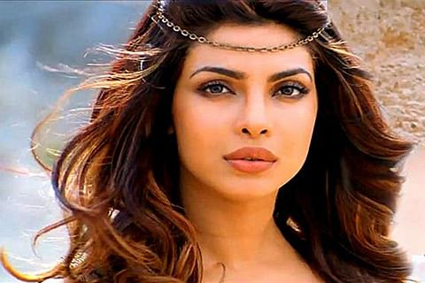 """Don""""t think I have to do a Hindi film just to be seen: Priyanka"""