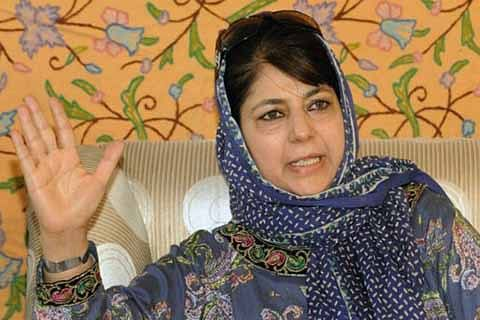 Mehbooba joins congregational prayers at Hazratbal, urges people to pray for peace