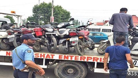 Commuters hail Traffic cops