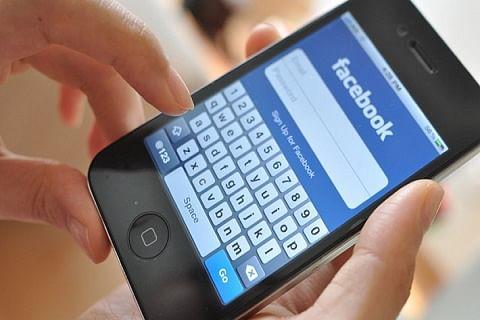 Mobile Internet, train services suspended in Kashmir