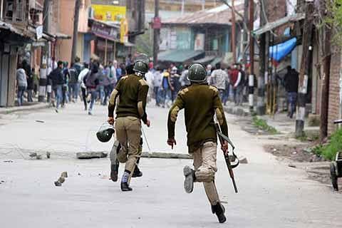 'Militants attack police post in Sopore'