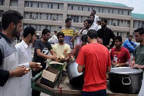 Help pours in for injured, attendants in hospitals
