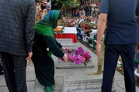 """Mehbooba visits martyrs"""" graveyard, appeals for calm"""