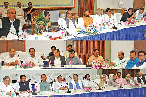 At all-party meet, clamour for Indo-Pak dialogue
