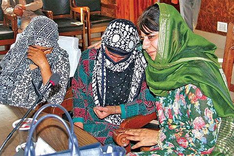 CM visits Anantnag, meets families of slain youth