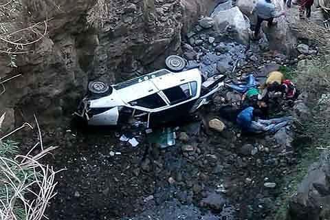2 die in car accident near Doda