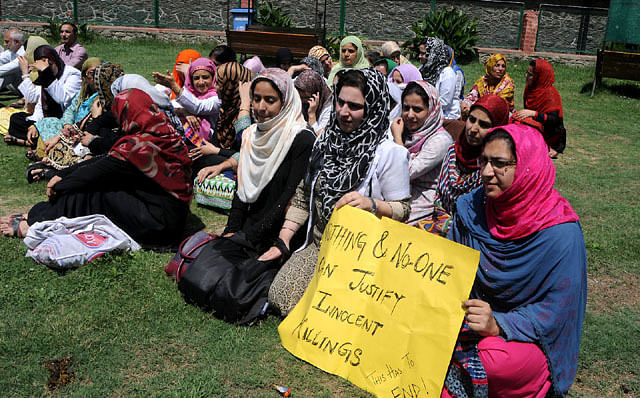 Medicos Protest Against Civilian Killings