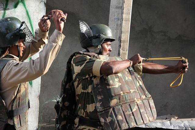 Clashes in Batamaloo Against Civilian Killings