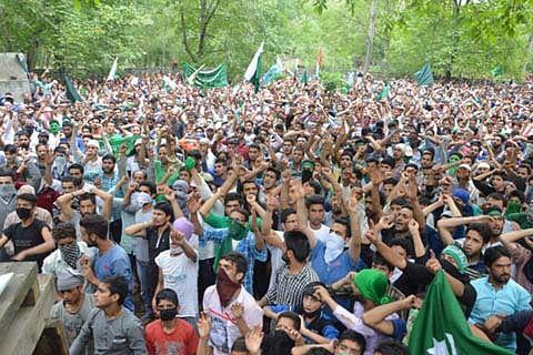 Kashmir erupts afresh after deadly violence
