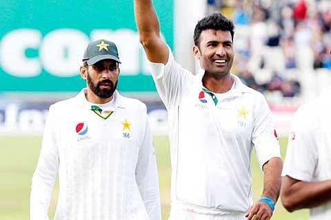 Sohail's comeback five keeps England to 297