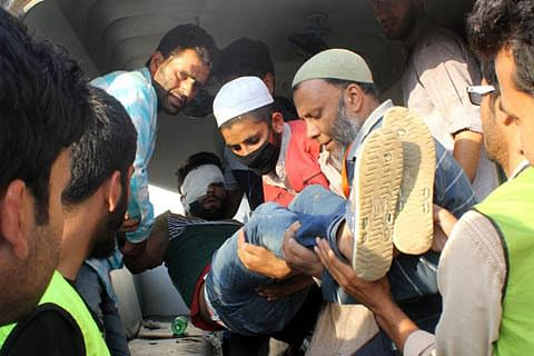 Video: Over two dozen persons injured in Shopian clashes