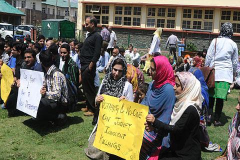 Kashmir unrest: Doctors to send memo to int'l health organizations