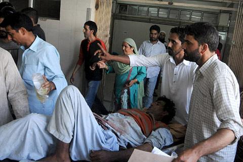 6 injured in Handwara clashes
