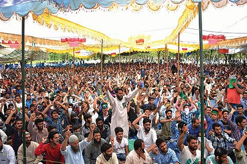NO LET-UP IN CLASHES, 80 MORE INJURED