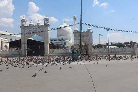 No Friday prayers at Dargah Hazratbal