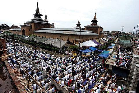 In view of pandemic, no Eid prayers at major shrines, masjids in Srinagar