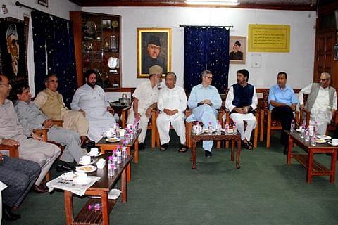 Opposition lawmakers from J&K meet Rahul Gandhi