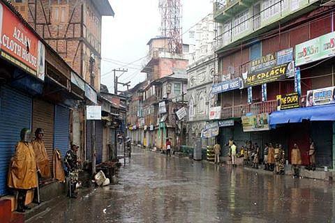 Rains lash Srinagar