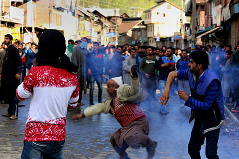 Kashmir: Two hit by pellets in CRPF firing in Aripanthan village