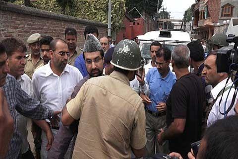 Kashmir: Mirwaiz refuses to hold talks with Asaduddin Owaisi