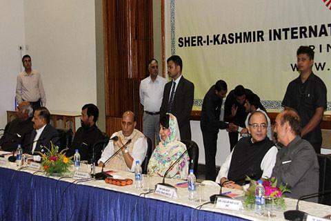 Mehbooba asks Centre to restore dialogue on Kashmir