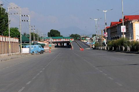Kashmir: Curfew imposed in Pulwama, Shopian, Baramulla districts
